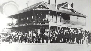 St George Hotel, Belmore, [group portrait], ca 1919